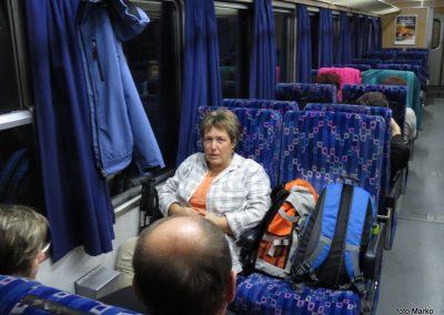 01 Vzpon na Resevno - zjutraj na vlaku, 7.41