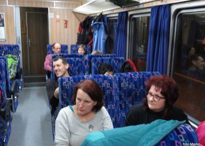 03 Vzpon na Resevno - zjutraj na vlaku, 7.42
