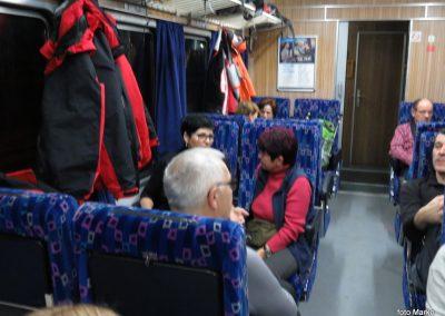 04 Vzpon na Resevno - zjutraj na vlaku, 7.42