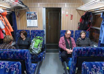 05 Vzpon na Resevno - zjutraj na vlaku, 7.42