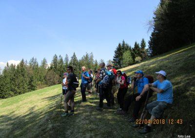 098 razgledujemo se s travnika pri cerkvi Sv. matere Božje, 950m, 13.43
