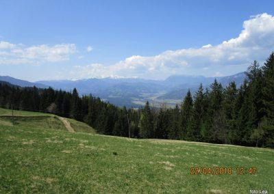 104 pogled na Savinjske Alpe in Raduho, 13.47