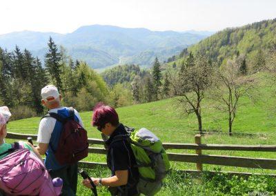 22 proti Čreti, kmetija Ručgar, 900m, 10.55