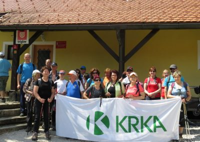 44 Planinski dom na Čreti, 875m, 13.28