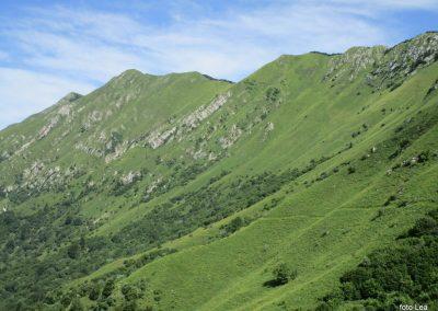 021 greben Stola, zadaj Mali in Veliki Muzec, 10.04