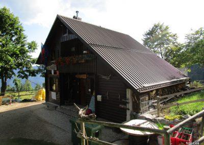 081 Koča na planini Kuhinja