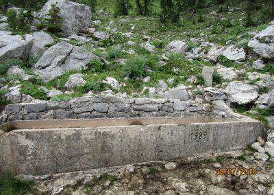 036 planina Zgornja Krma - za žejne na poti ali na paši, 12.25