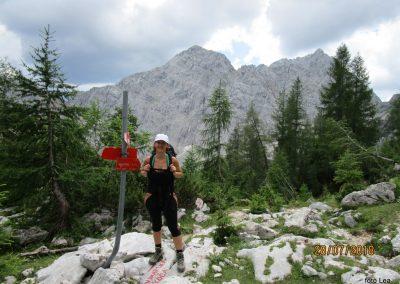 046 razpotje - 1790m, druga najmlajša, zadaj Veliki Draški vrh - 2240m in Tosc - 2273m,12.40