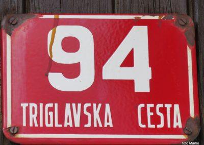 050 verjetno najdaljša ulica v Sloveniji - do Mojstrane je 5 ur hoje