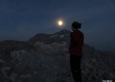 065 Dve polni luni