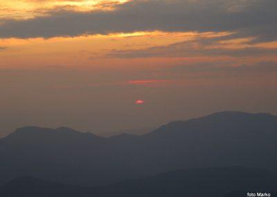 074 Sonce sramežljivo rdeče začenja nov dan, 5.46