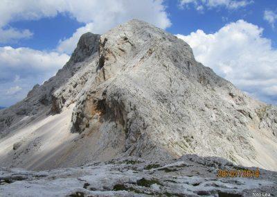 095 pogled na grebensko pot na Rjavino z Dovški vratc, 14.48