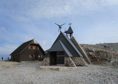 202 kapelica pri Triglavskem domu na Kredarici