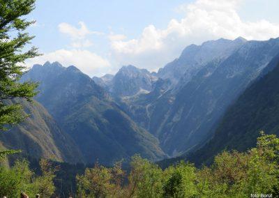 032 pri trdnjavi Fort Herman - pogled v dolino Bavščice, 10.42