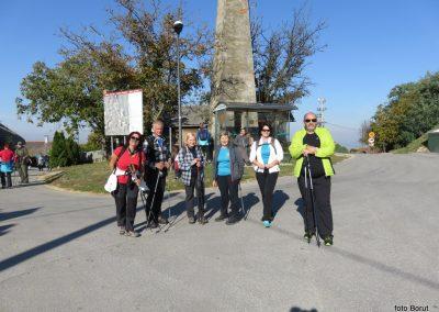12 na poti proti stolpu Vinarium, na vrhu Lendavskih goric - Piramida, 327m, 10.00