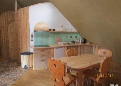 081 apartma 'Zemljanka', 10.53