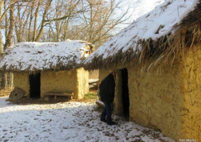 27 starejša prazgodovinska naselbina - izpred 5.500 let, 10.27