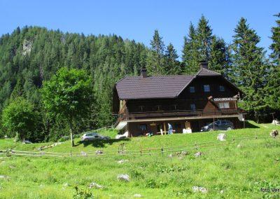02 RADUHA PO ZAVAROVANI, planinski dom na planini Grohat, 10.23