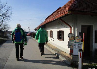 71 POHOD V NEZNANO - 8. december 2019, na poti od turistične kmetije Vrbjak do gostišča Žinko v Moravcih, 12.46